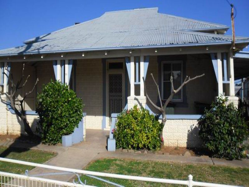 Renovated Three Bedroom Very Close to Town