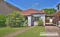 SOLD BY ROD WOODWARD 0418 258 046 - LIFE'S A BEACH!
