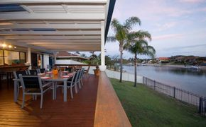 STUNNING WATERFRONT- RARE HOLIDAY LET
