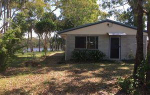 2 bedroom house on the Lagoon at Moore Park Beach