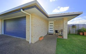 ***APPLICATIONS CLOSED*** MODERN 3 BEDROOM UNIT WITH AIR-CONDITIONING