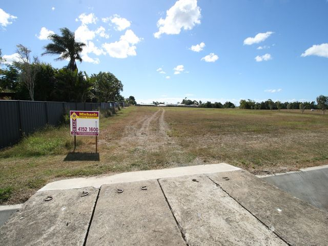 5.1 ACRES -  RARE FIND JUST MINUTES FROM THE CBD WITH TOWN WATER
