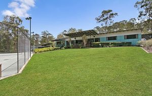 ACREAGE IN THE HEART OF ANSTEAD