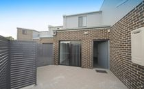 Beautiful Brand New Residence, Close to All