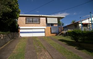 GREAT LOCATION, GOOD ELEVATION, LOADS OF POTENTIAL!