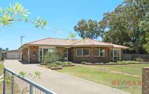 CLOSE TO OCEAN - AIR CONDITIONED IMMACULATE HOME