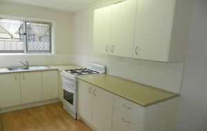 ***APPLICATIONS CLOSED*** 2 Bedroom Unit in the Heart of Town