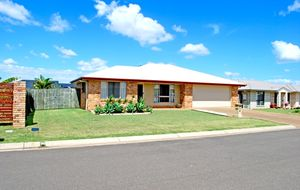 Immaculate 4 Bed Home with A/C in Great Area