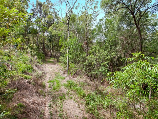 1.5 TRANQUIL ACRES with town water - Adjoining 22 Hectares Of Parkland Reserve
