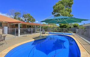 POOL + IDEAL LOCATION + IMMACULATE HOME