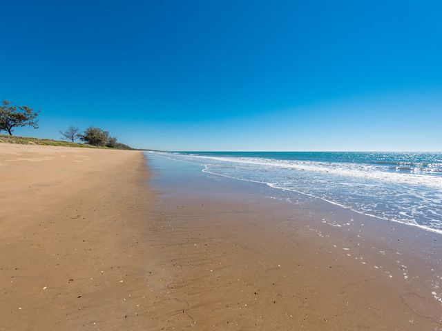 19km of sandy beach + 15 minutes from town - The perfect spot to build!