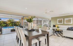 DELIGHTFUL FAMILY HOME - WELL DESIGNED FOR EASY LIVING!