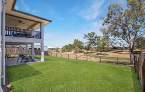 382m2 EXECUTIVE HOME OVERLOOKING PARKLANDS