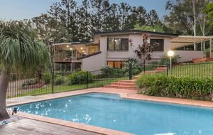 GREAT FAMILY HOME ON HILLTOP