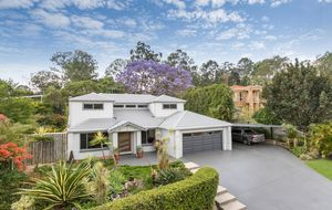 IMMACULATE CHARMING HOME IN SOUGHT AFTER AREA