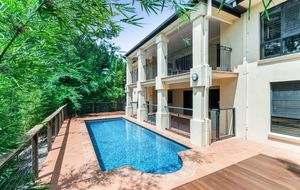 IMMACULATE EXECUTIVE FAMILY HOME ON TWO LEVELS