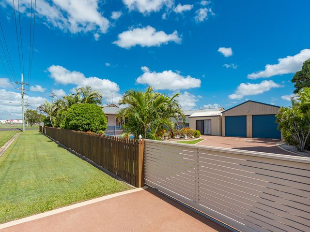 RENOVATED QUEENSLANDER WITH SHED AND POOL IN GREAT LOCATION!