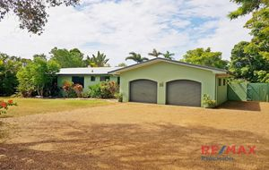 MASSIVE 5 Bedroom Home with Pool in Avoca