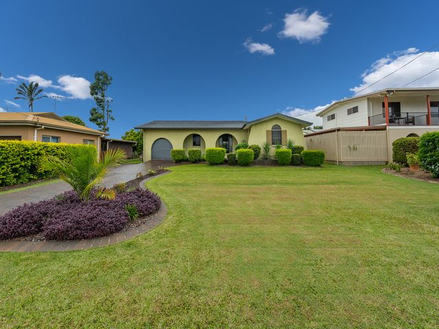 NEAT AND TIDY BRICK HOME WITH FANTASTIC OUTLOOK!