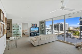 Huge 1 Bed + Study with Views! Unbeatable buying!