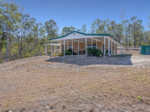 BIG COUNTRY HOME CLOSE TO TOWN AT AN AFFORDABLE MASSIVE PRICE REDUCTION  $550,000