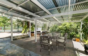 SPACIOUS ACREAGE PROPERTY JUST 25 MINUTES FROM THE CBD