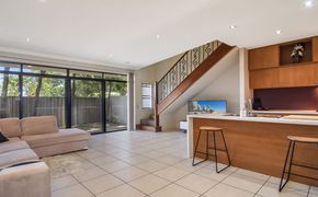 Modern 3 Bedroom Townhouse in the Sought After Marion Hall
