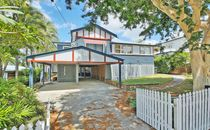 Fully renovated Queenslander in sought after Clifton Hill