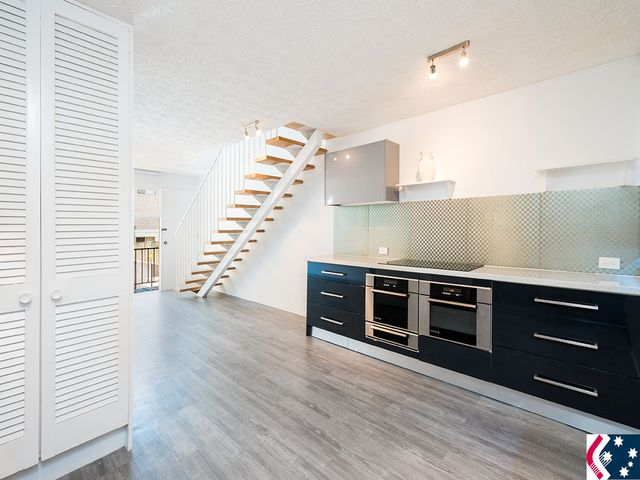 Renovated - Photos to be updated * Townhouse * Central Surfers Paradise * Unfurnished