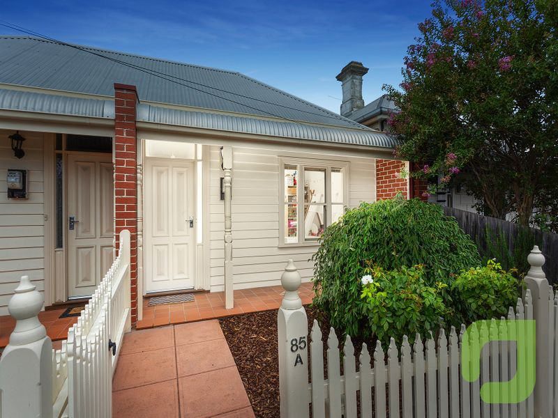 Immaculate Townhouse, with a Williamstown Lifestyle