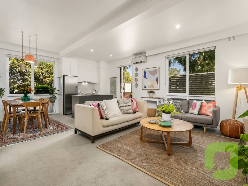 Bright and spacious Yarraville Sanctuary