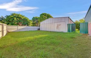 $157,500 NEG. HOUSE AND MASSIVE 9.5 X 9.5 INDUSTRIAL SHED. GREAT INVESTMENT PROPERTY!