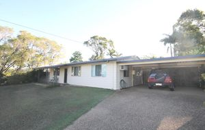 PRICE REDUCED - TOP BUYING - SPACIOUS LOW SET 3 BED HOME -  A DOUBLE CAR PORT AND A LARGE COVERED OUT DOOR ENTERTAINING AREA - WELL FENCED 830m2 ALLOT
