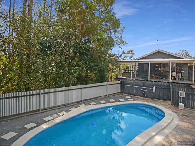 *** ANOTHER UNDER CONTRACT BY STUART 4 BED SUBLIME HOME WITH LARGE POOL, SOLAR , VIEWS & NO NEIGHBOURS SIDE OR REAR!***