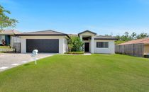 FAMILY LIVING AT ITS BEST- UPPER COOMERA