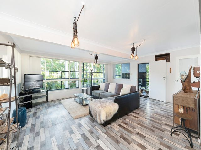 Large Home with Dual Living Ability
