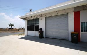 MODERN BESSER BLOCK SHOWROOM WITH BRUCE HIGHWAY FRONTAGE AT A AFFORDABLE PRICE.