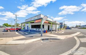 WELL RENOVATED COMMERCIAL BUILDING WITH A GOOD COMMERCIAL KITCEHN FITOUT- HIGH EXPOSURE CORNER LOCATION -THE TOP FLOOR IS A POTENTIAL RESIDENCE.