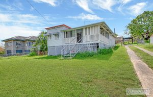 PRICE REDUCED - TRADITIONAL WEATHERBOARD GABLE HOME - 3 BED - OPEN VERANDAH - LARGE LIVING AREA - ELEVATED 809m2 ALLOTMENT