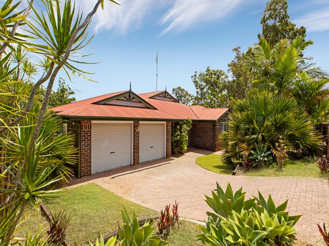 Substantial low set home, Well located!