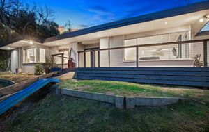 LIVE THE ACREAGE LIFESTYLE IN EXCLUSIVE FRANKSTON SOUTH RESIDENTIAL POCKET