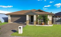 Expansive Home- Easy Living Or Investing