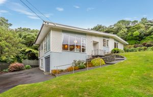 1960s FAMILY HOME IN NGAIO