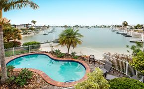 UNDER APPLICATION - Fully Furnished Unit in Mooloolaba