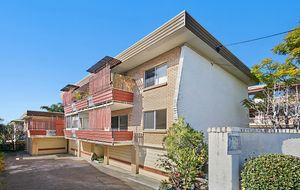 ENTRY LEVEL BRICK HOME UNIT - 2 BEDROOMS - FRONT DECK  - LOCKUP GARAGE