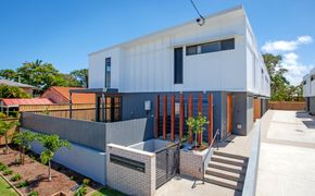 Modern Townhouse, Well located in Maroochydore