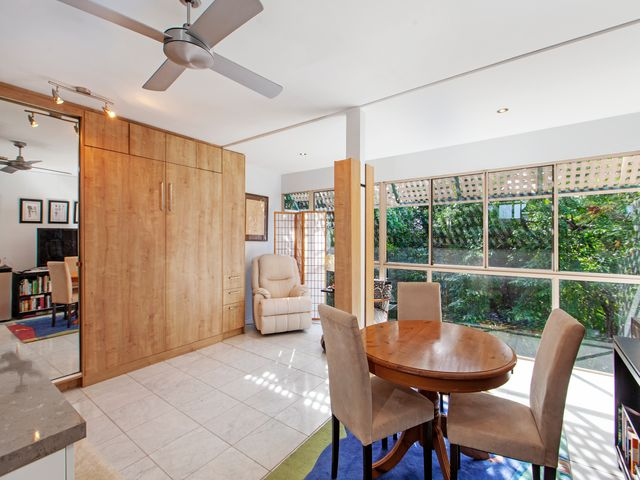UNDER APPLICATION - Fully furnished studio at the top of  Buderim