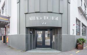 Super Central Atlas House