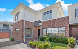 Ideally located, stylish designer townhouse