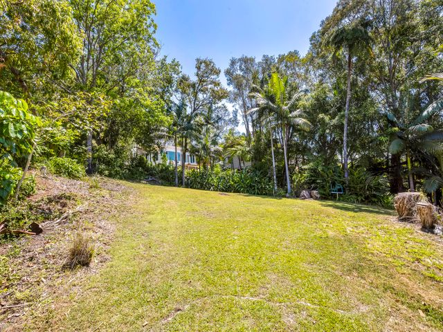 962m2 Of PRIME BUDERIM LAND in PEACEFUL PRECINCT with VIEWS!